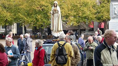 een Mariabeeld als model voor het protest tegen de euthanasiewet