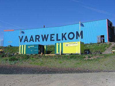 heel herkenbaar voor de varende bezoekers is het woord VAARWELKOM
